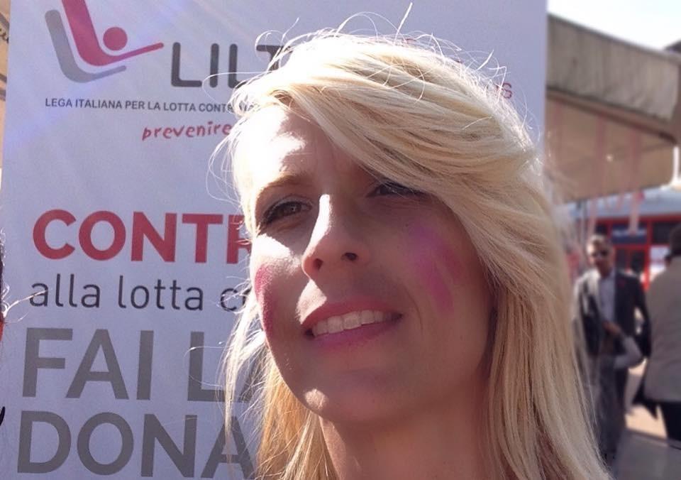 Campagna LILT 2014, foto di Stefano Ceretti, Con il nastro rosa http://www.liltbiella.it/campagna-nastro-rosa-2014