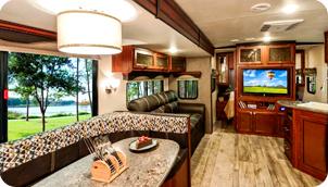 超快適空間!ホテルライクな豪華キャンピングトレーラー