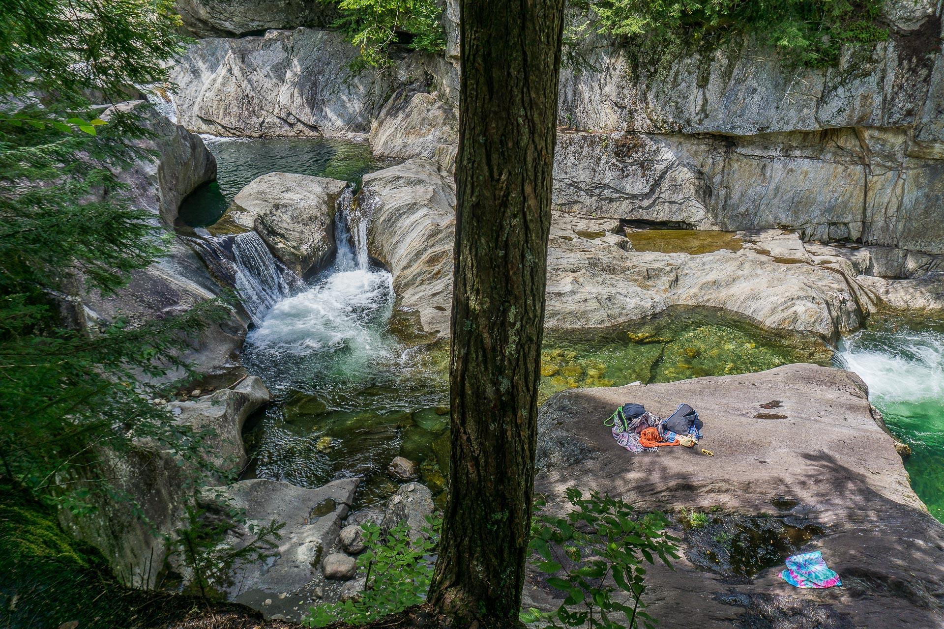 Dimanche 23 avril: Les Warren Falls, un trou d'eau fraîche dans le Vermont