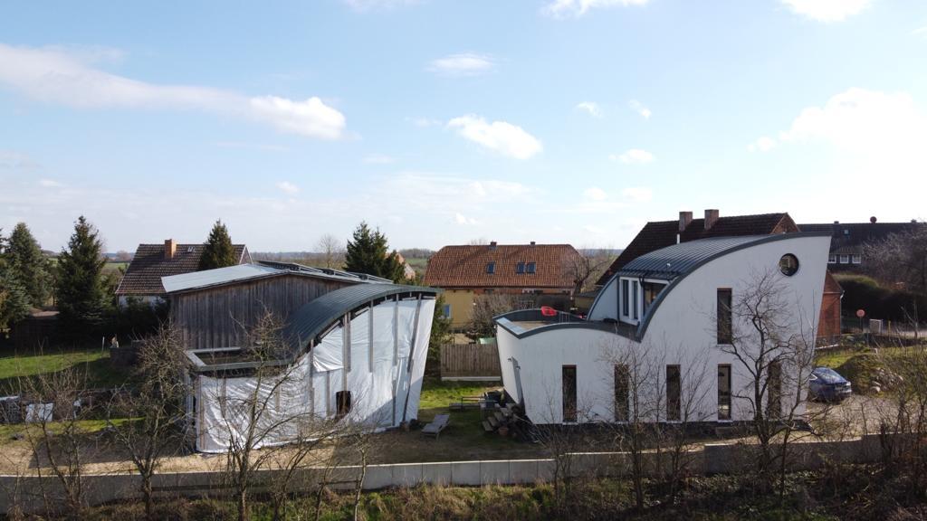 DIU DomiZiel Immobilien Uckermark GmbH –Firmensitz (Drohnenaufnahme Pablo Calderon) in Gerswalde, Ortsteil Groß Fredenwalde