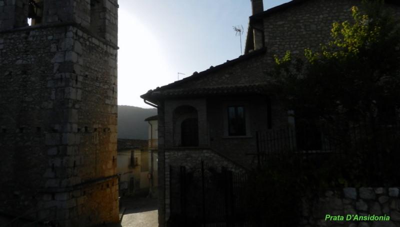 Prata D'Ansidonia, L'Aquila. Vicolo del centro.