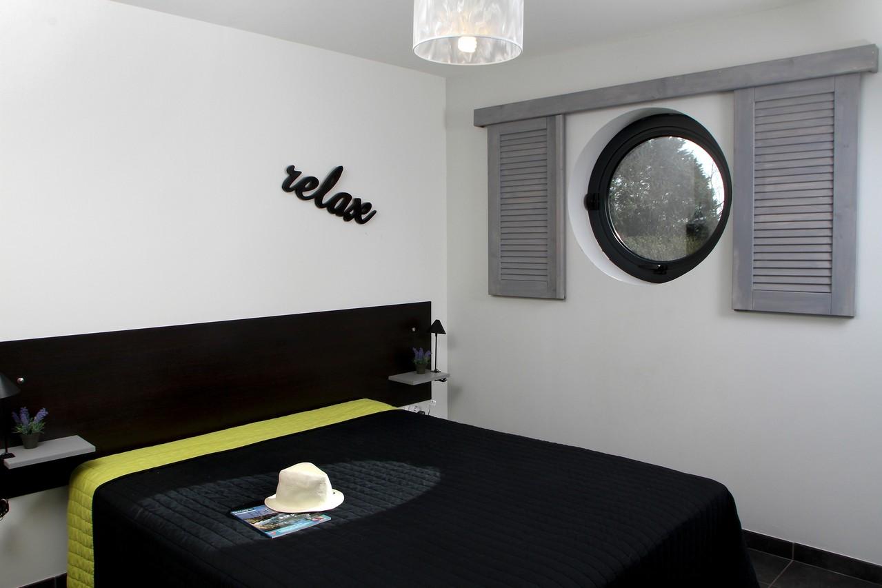 Cette chambre est équipée d'un lit double de 160x200