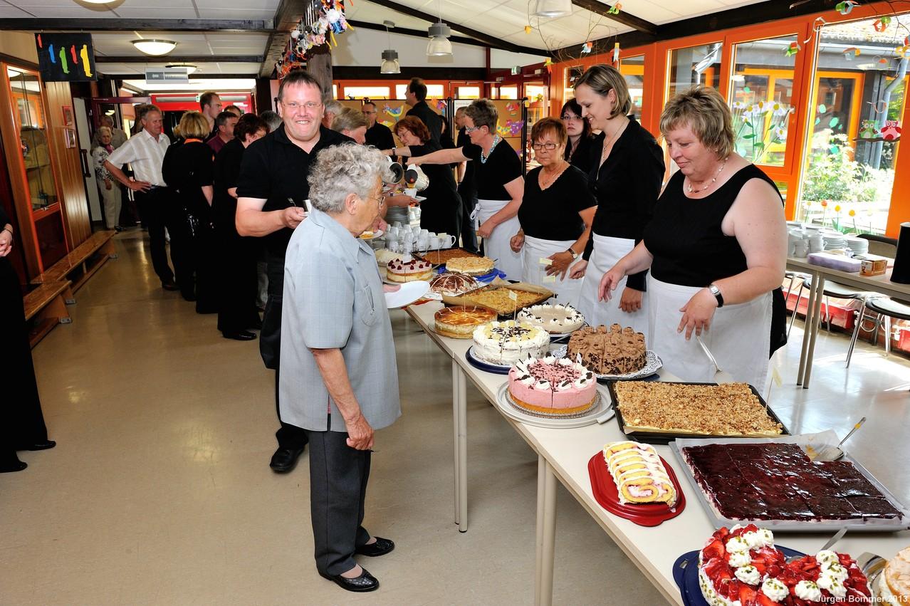 Das Kuchenbuffet in der Pause begeisterte alle Gäste.