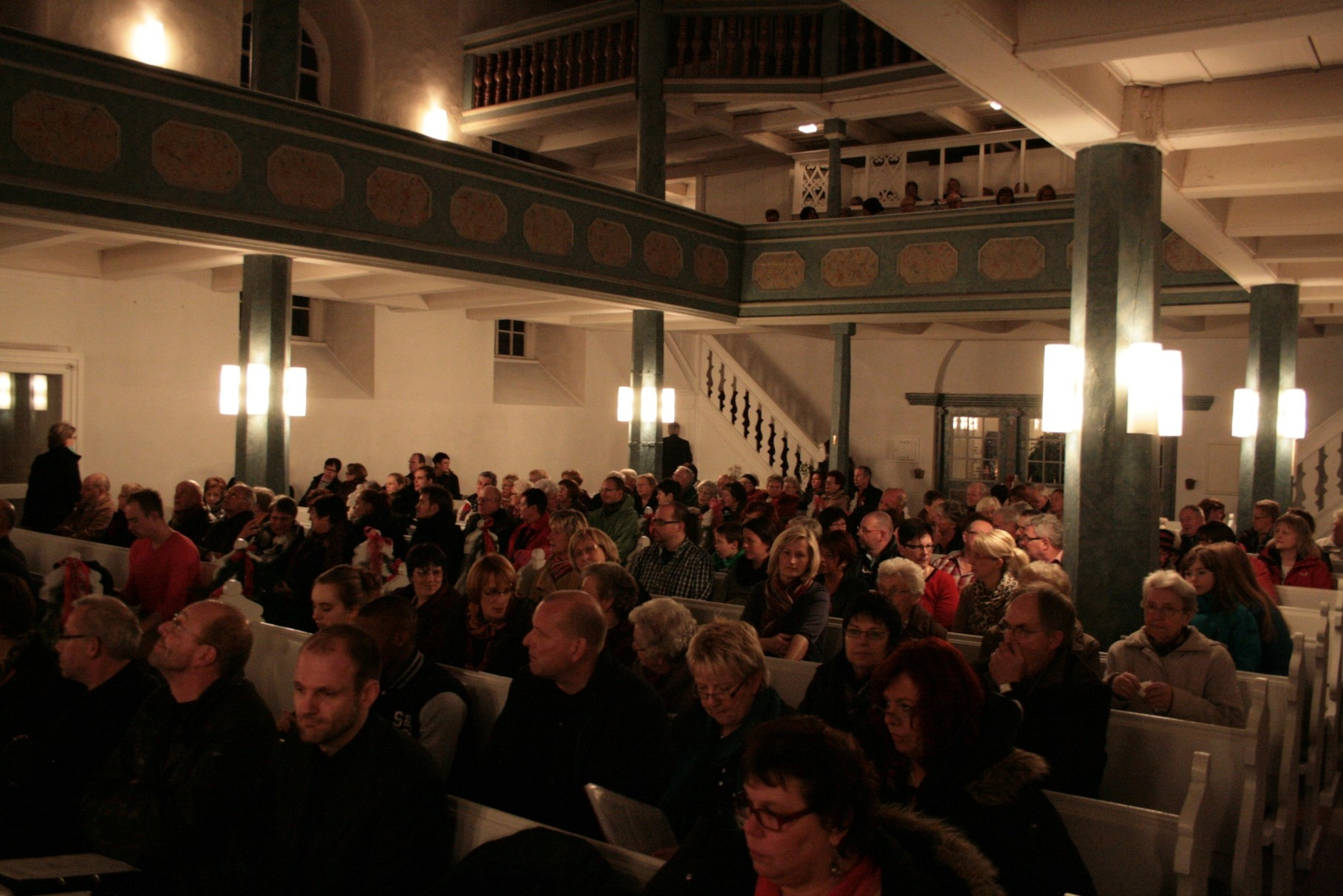 Ein großes Publikum für alle Chöre, Kleingruppen und Solisten.