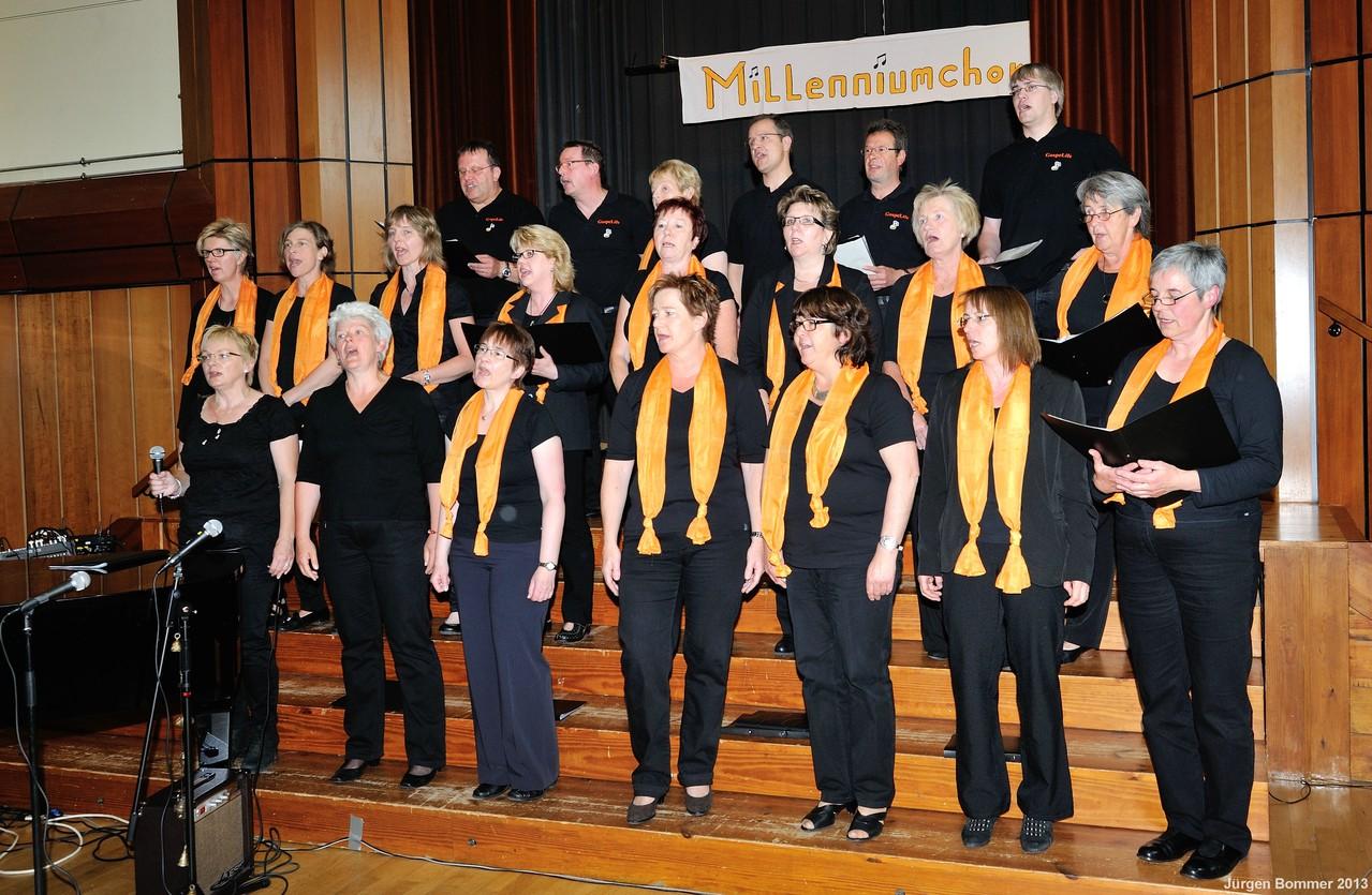 """Der Lüthorster Gospelchor """"GospeLife"""" unterstützte uns auch diesmal wieder tatkräftig."""