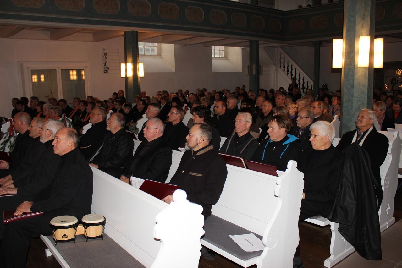 Die Kirche war voll.
