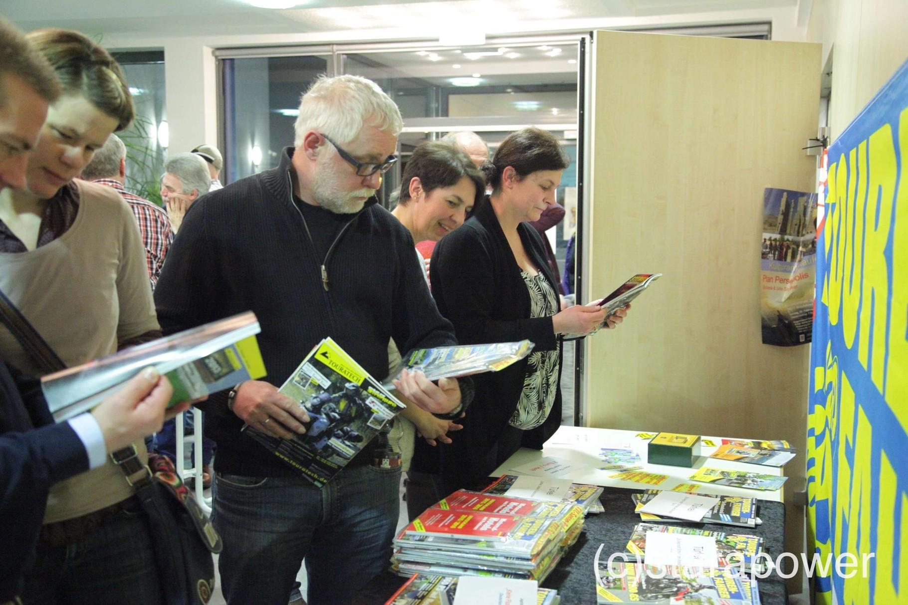 Reges Interesse für die Produkte des Reiner H. Nitschke-Verlags