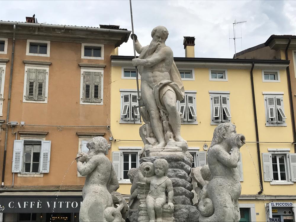 Brunnen in Gorizia