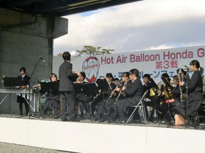 ステージのラストを飾ったのは大東高校吹奏楽部。風が時折強く吹き大変そうでしたが、楽しませてくれました。個人的にドリフメドレーが良かったなと思います。