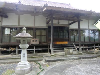 光西寺。以前真滝3区の佐藤区長さんに真滝3区集会所を案内していただいたことはありましたが、すぐ隣の光西寺には初めて来ました。