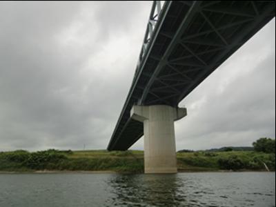 北上大橋を下から見上げるという、めったにない貴重な体験