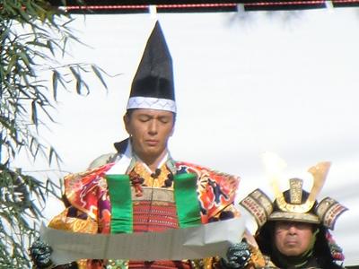 この軍議は、秀吉の小田原産人の要請を受けるか断るかというもの。軍議の結果、秀吉に従わない事を決意したと皆に表明するシーンでは、読み上げる保阪さんの気迫が伝わってきました。