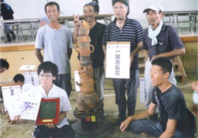 昨年の藤沢野焼祭では地元の高校生のアイディアをもらい、一関市長賞を受賞しました。