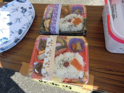 スタッフ限定で(スタッフの方は昼食交換券を持っていたようです)一般客には非売品の、その名も「匠弁当」!肉と魚の2種類から選べるようです。Hana金の時に出た「匠の祭典だから『匠』とか『たくみ』とかをネーミングに使ってはどうか」という意見を採用していただきました