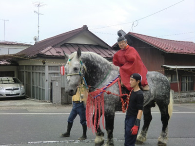 馬上は金沢八幡神社の宮司さん