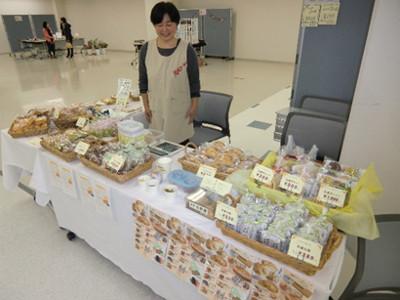 平泉の「菓子工房 吉野屋」さん。依然平泉で吉野家さんのりんごパイを食したところ非常に美味しかったので探してみると・・・