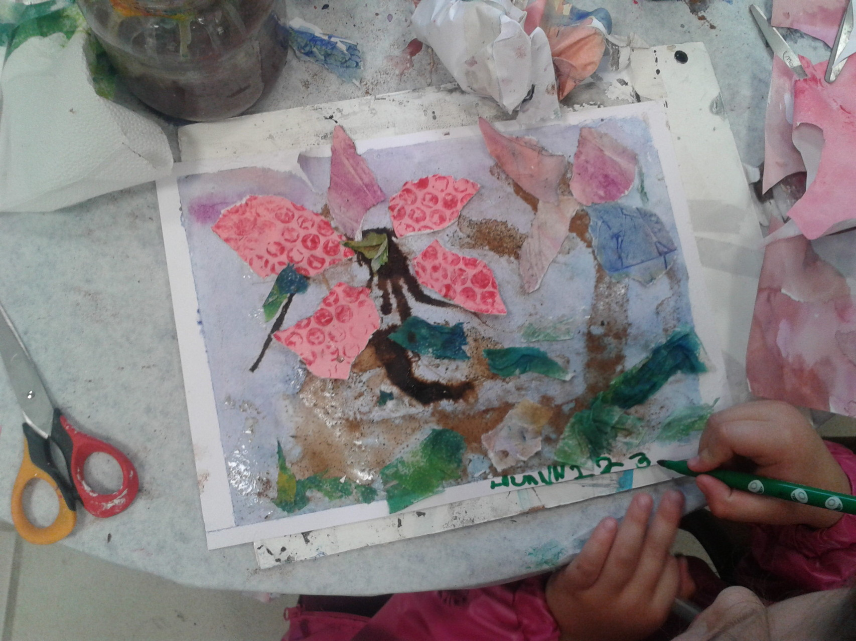 """Atelier 'Méli-mélo d'artiste"""" pour les toutes petites mains et les parents"""