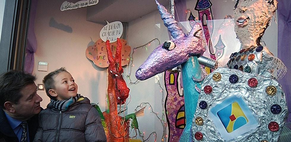 """Sculptures récup' """"Il était une fois"""" pour la vitrine de la Maison des Arts de Port-Barcarès"""