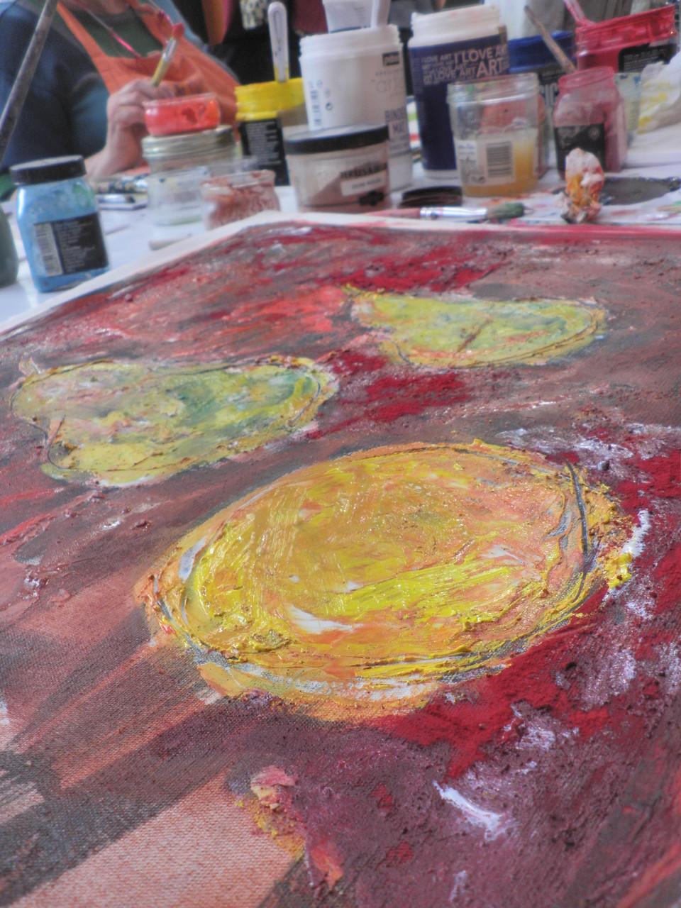 Travail du pigment et de la couleur à l'atelier Agit'hé avec T-Vailier