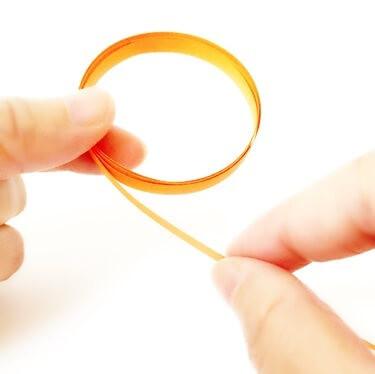 あとはひたすら輪の周りにペーパーを巻いて…