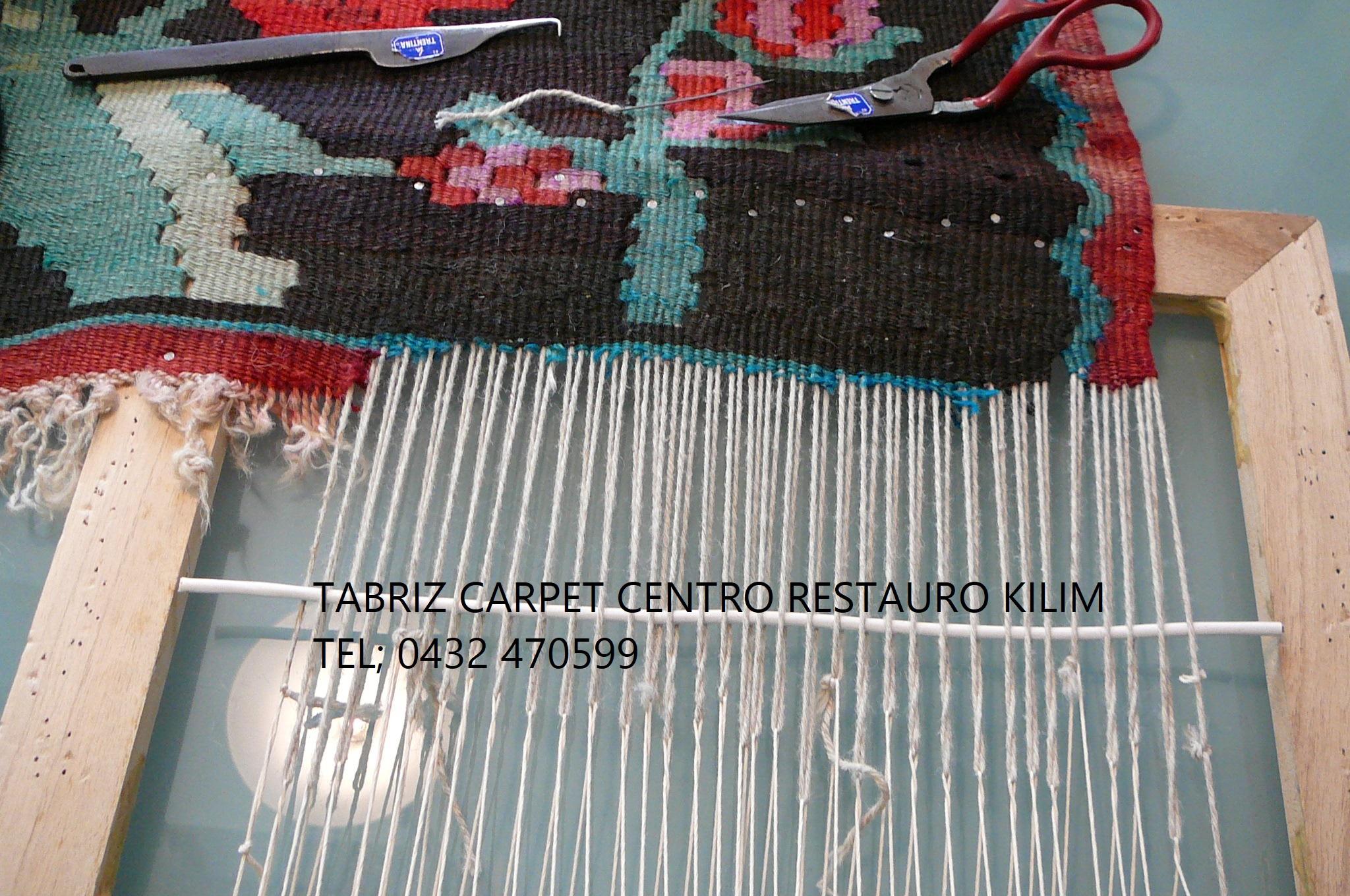 Restauro artistico kilim antico messo su telaio