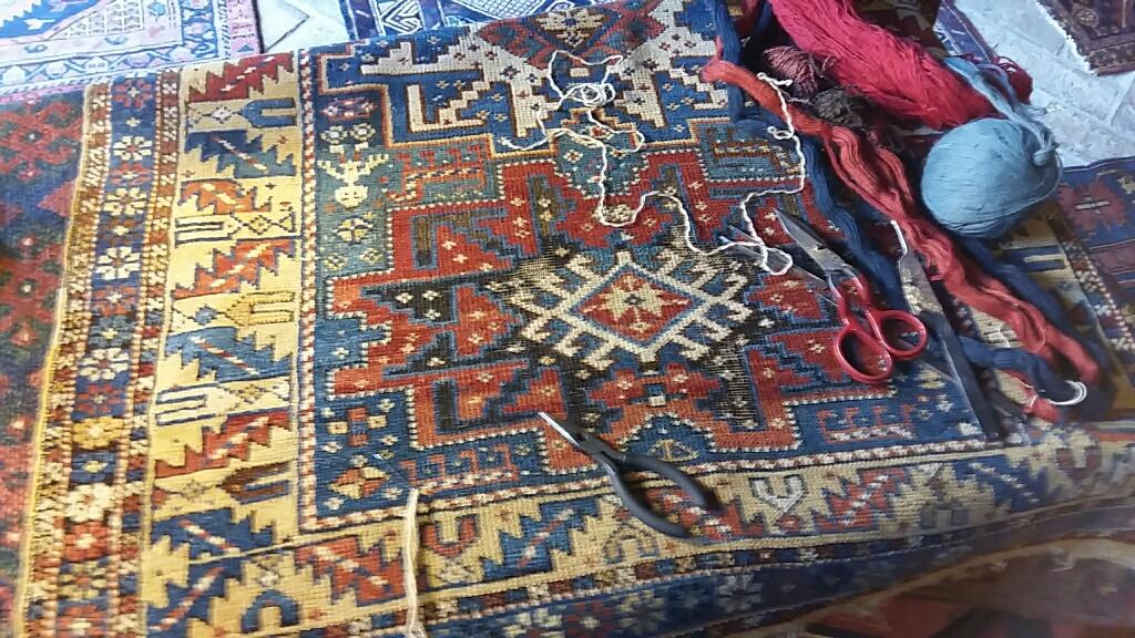 restauro tappeto antico caucasico Campoformido