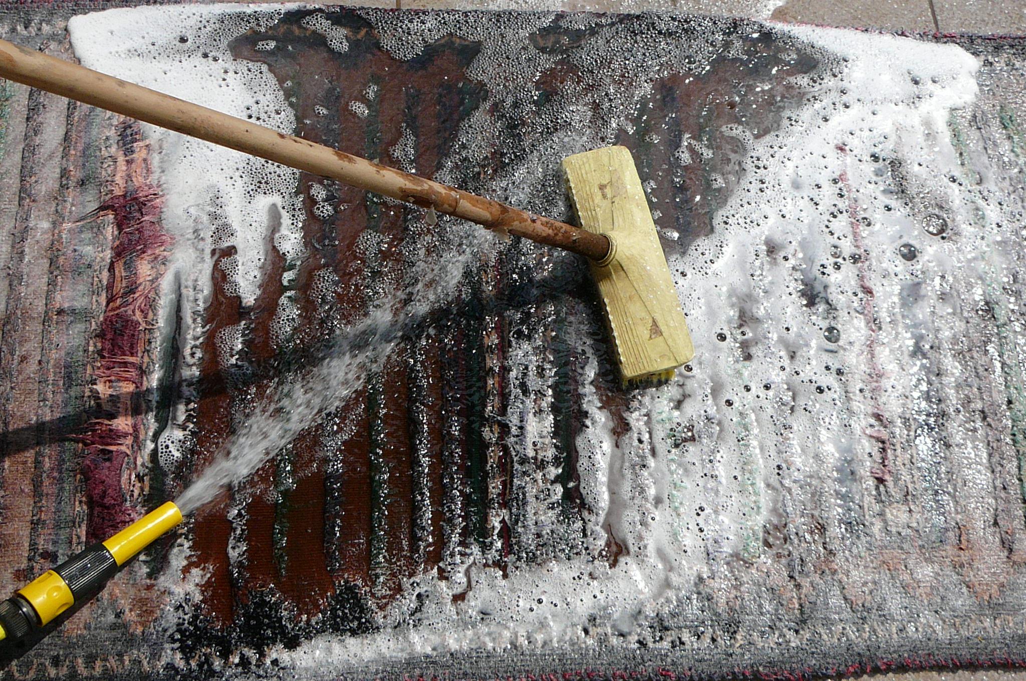 lavaggio tappeti persiani, Pulizia profondo e completo tappeto a mano