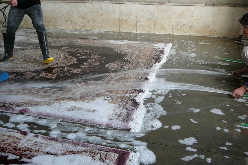 pulizia profondo con acqua tappeto persiano Campoformido