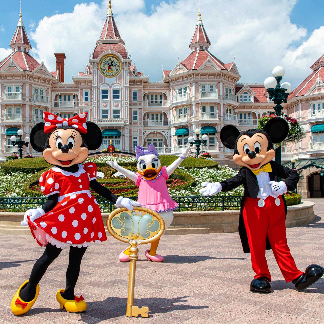 Disneyland® Paris feiert große Wiedereröffnung