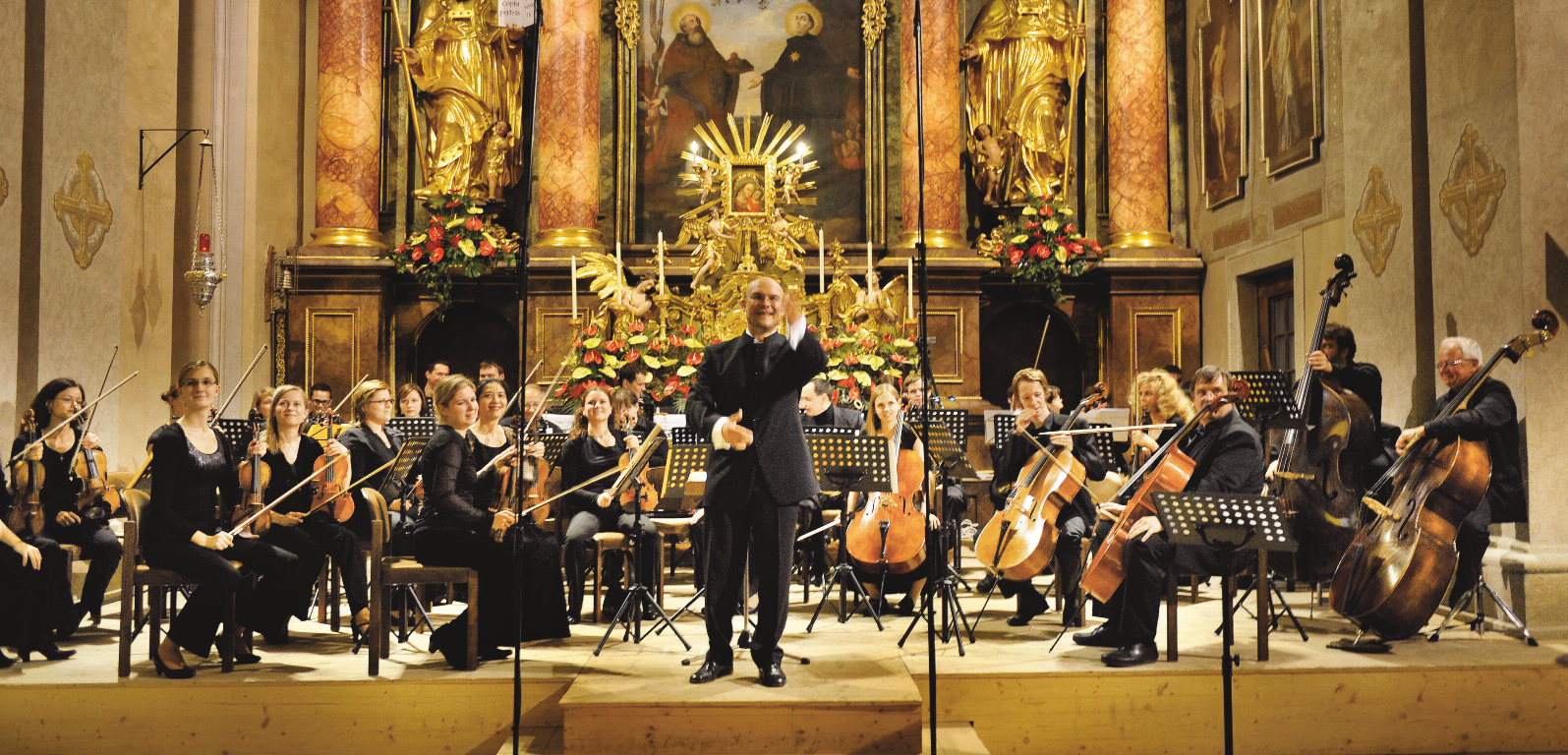 Kammerphilharmonie Lockenhaus | Orchestermanagerin Iris Krall | Konzertmeisterin Cornelia Löscher | Dirigent Wolfgang Horvath