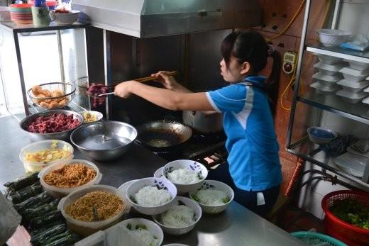Und hier ist das Restaurant in Hanoi, in dem es diese Suppe gibt.