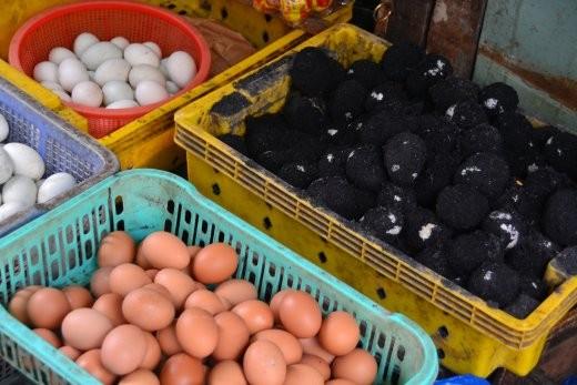 Wieder mal seltsam verpackte Eier.