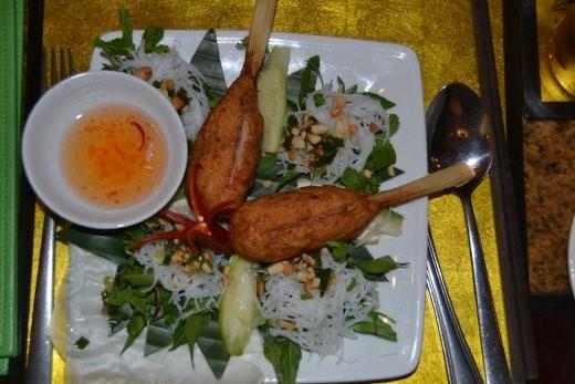 Gleiches Restaurant: gegrilltes Shrimp-Mousse an Zuckerrohr. Soooo lecker!