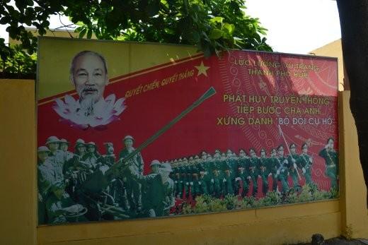 Onkel Ho auf Propaganda-Plakaten,