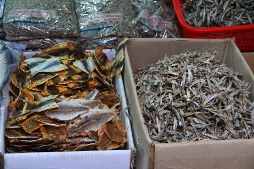 Markt für getrocknete Fischwaren.
