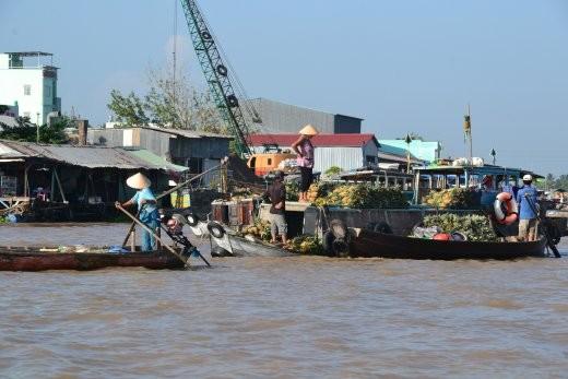 Schwimmender Markt in Cai Rang.