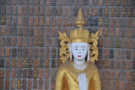In Myanmar kann man alle Varianten von Buddhas bewundern.