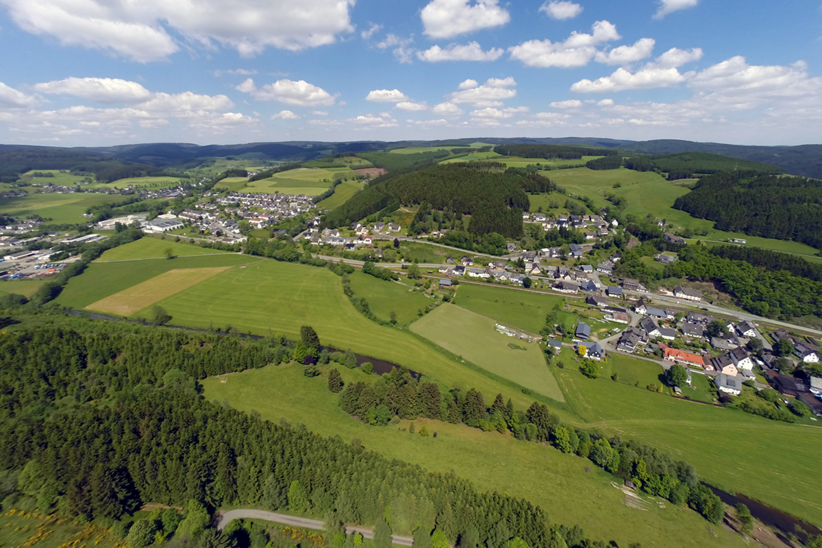 Blick auf die Ortschaft Aue.