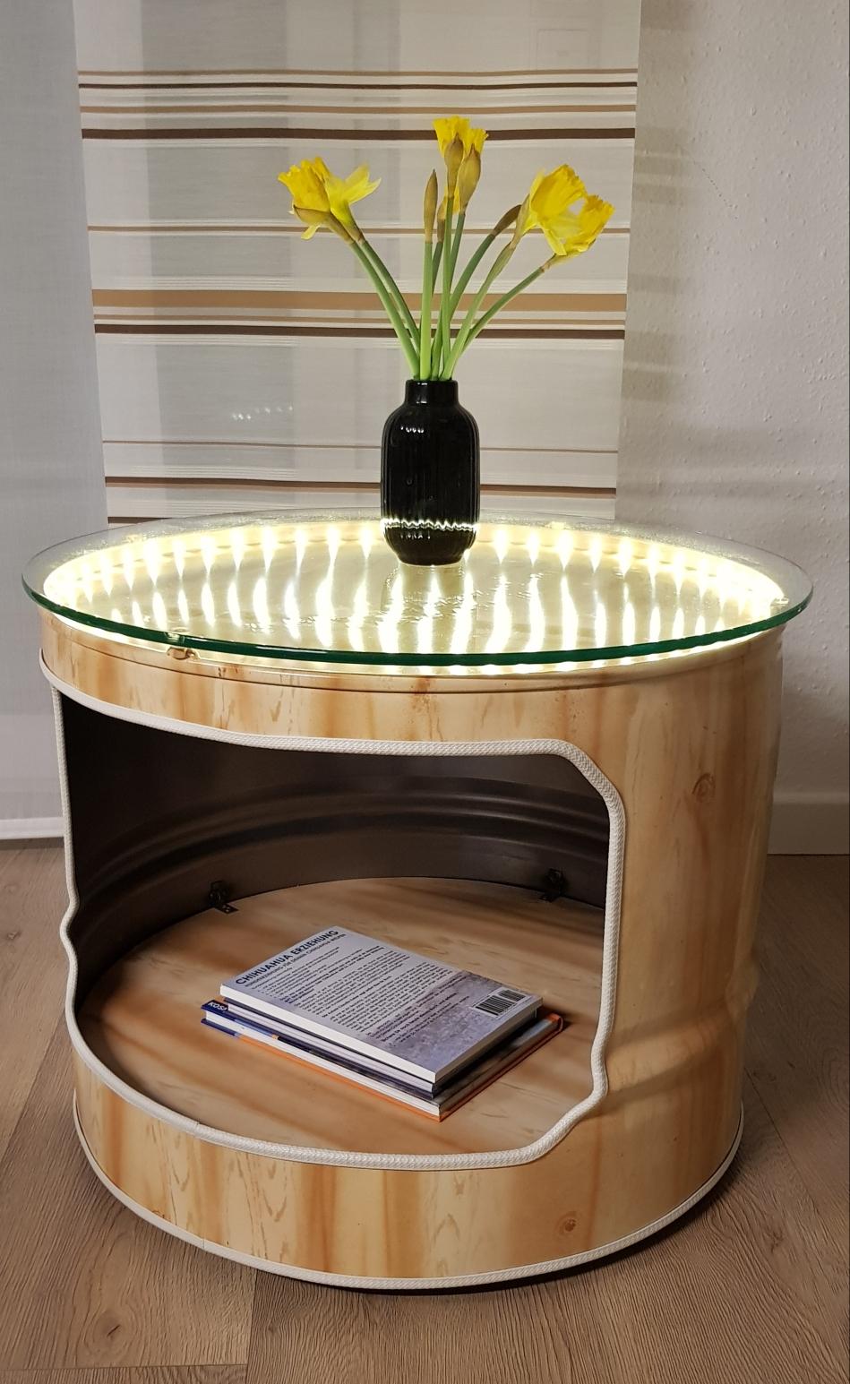 𝐶𝑜𝑢𝑐ℎ𝑡𝑖𝑠𝑐ℎ in Holzoptik (Airbrush) recycelt aus der alten Öltonne