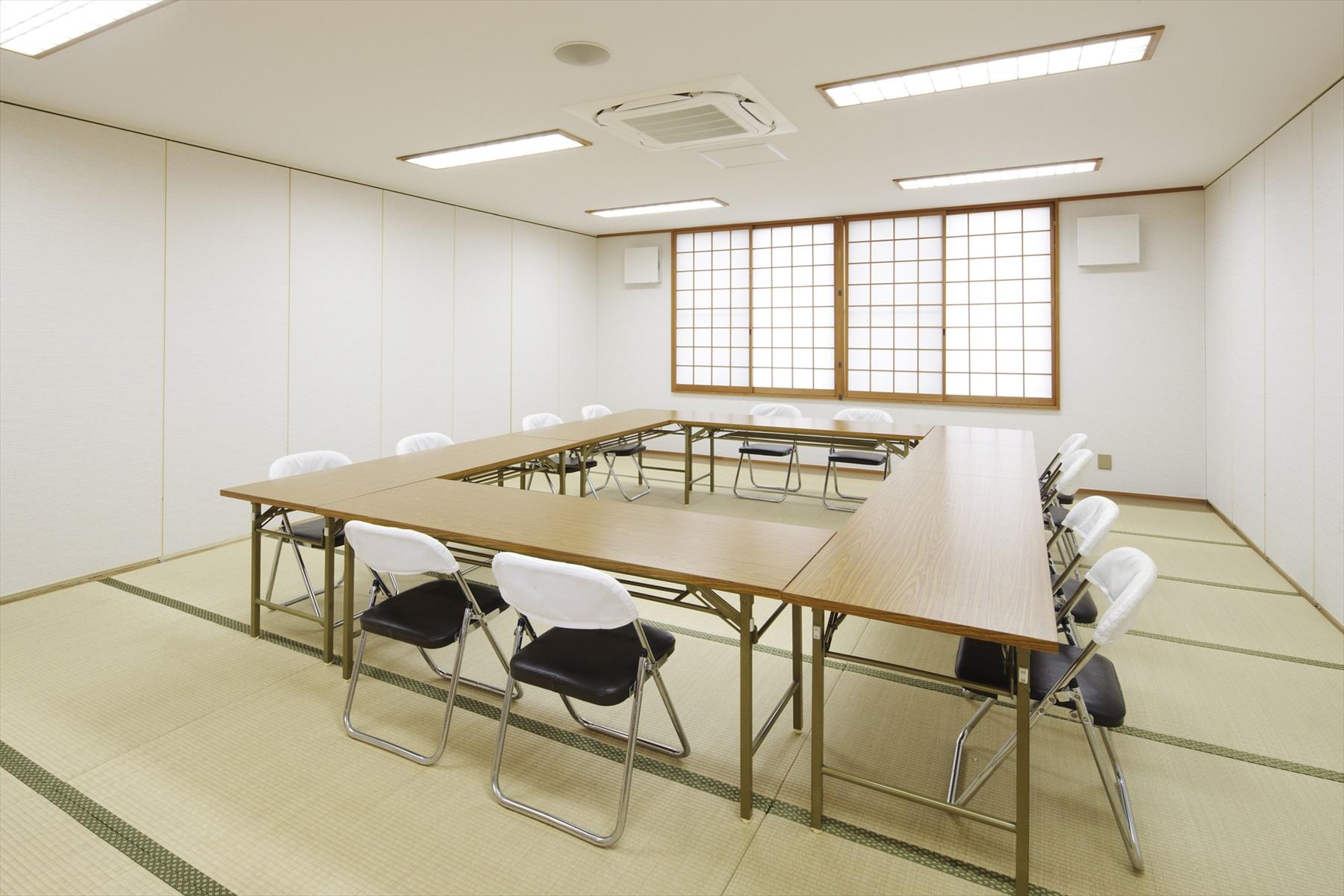 小会議室(定員:約20名)