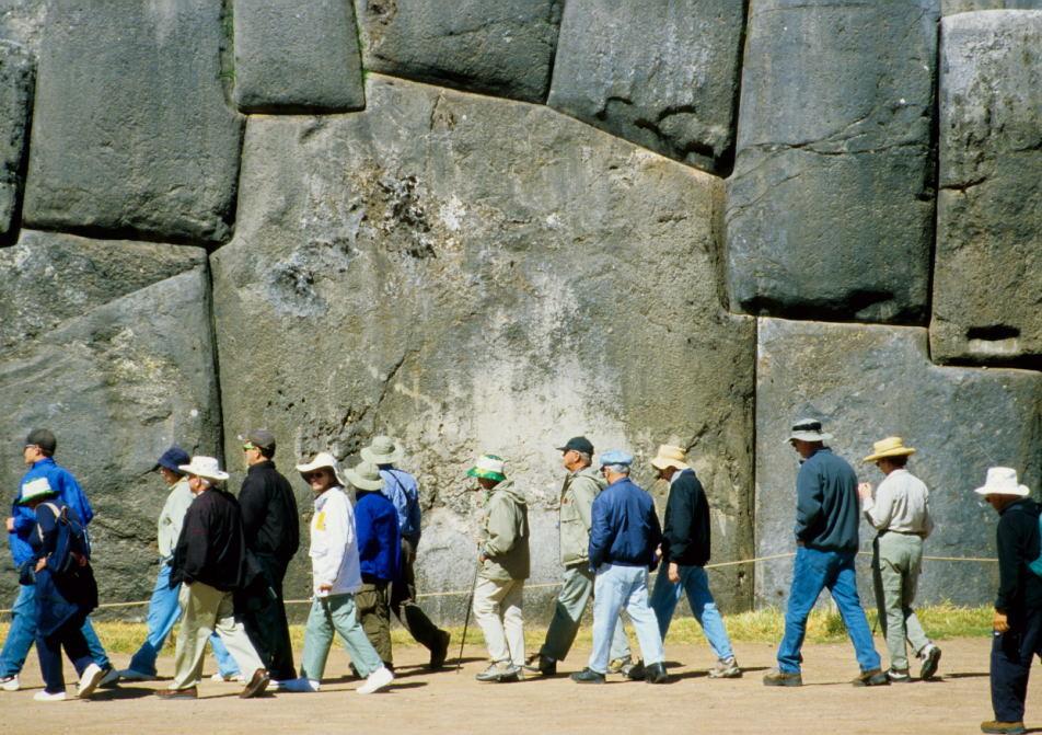 geschätze 350 Tonnen wiegt dieser passgenau eingefügte Stein (Saqsaywamán, Cusco)