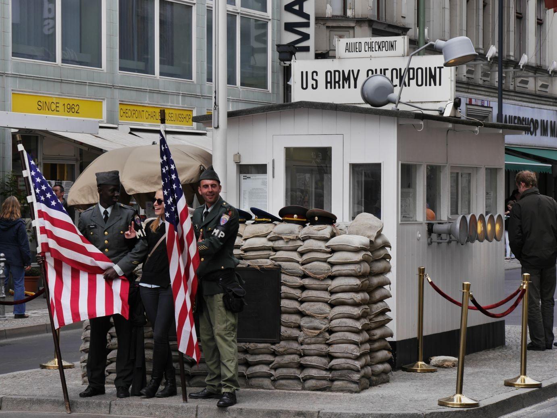 Checkpoint Charlie in der Friedrichstraße heute...