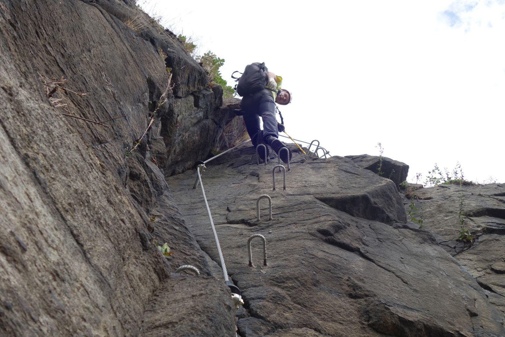 im unteren Teil des Klettersteiges Wolkensteiner Hag