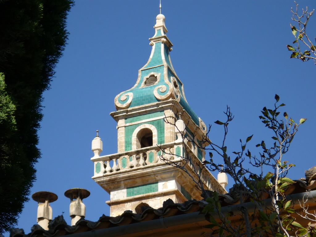 die Kirchenkuppel der Kartause in schöner Architektur