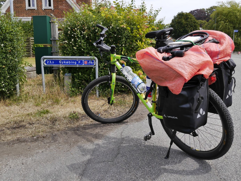 auf der nationalen Radroute Nummer 9 geht es bis nun bis kurz vor Kopenhagen