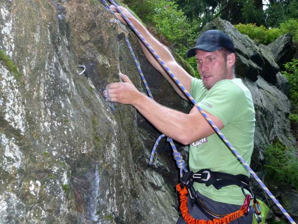 Klettern am Schwarzen Stein ( oberes Göltzschtal, Vogtland in Sachsen)