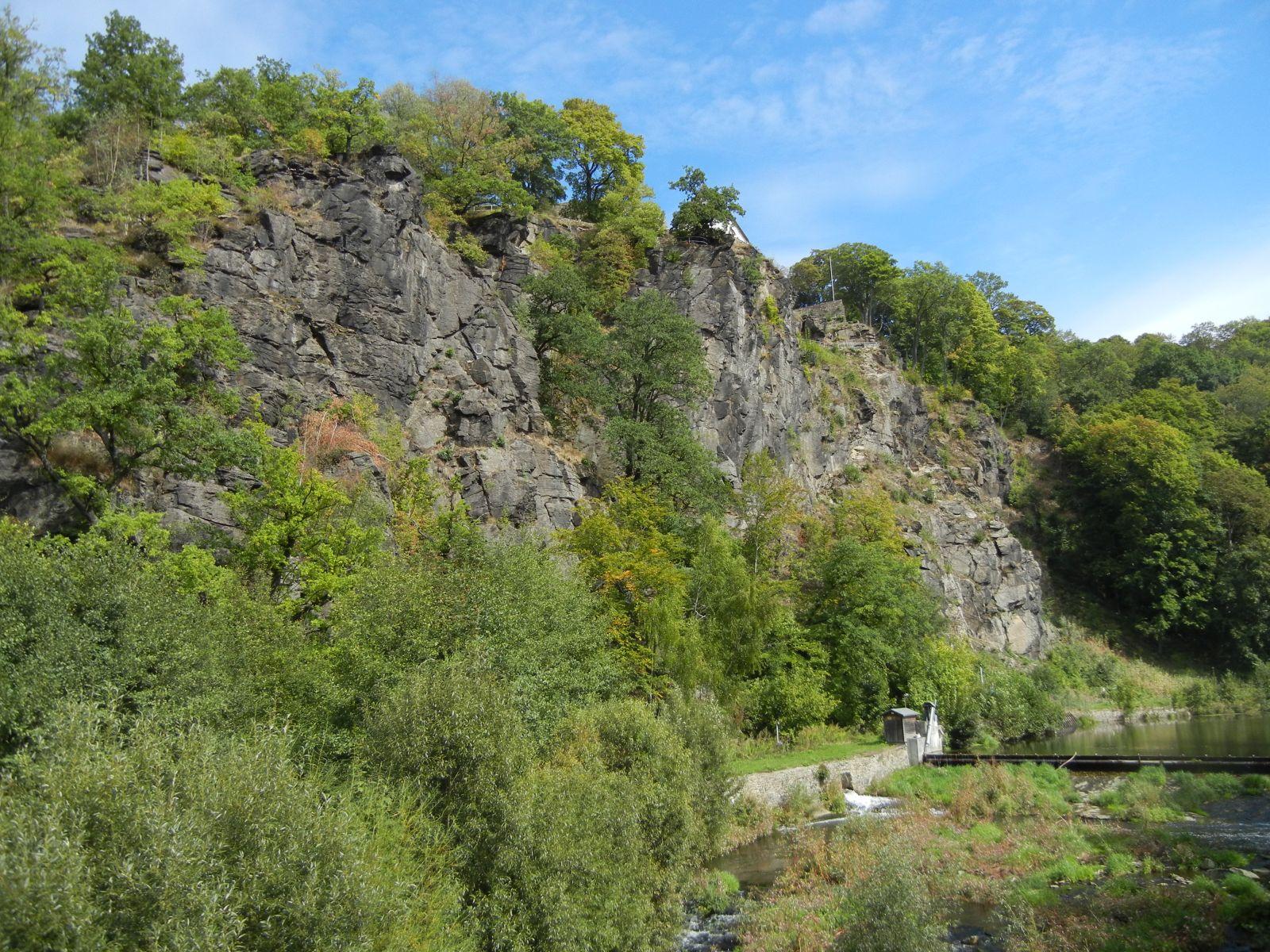 erster Blick auf die große Felswand