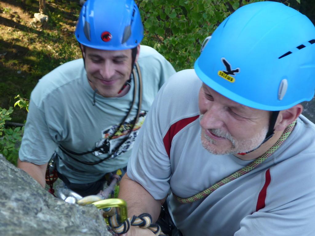 Klettern an der Teufelskanzel bei Greiz - Peter und Frederic am Sicherungsring