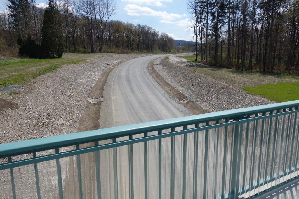 die neue Göltzschtal Umgebungsstraße bei Falkenstein