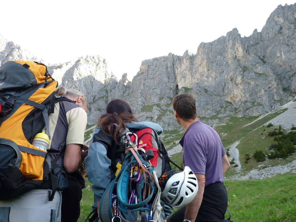 Routenbesprechung mit unserem Bergführer Andi Dick